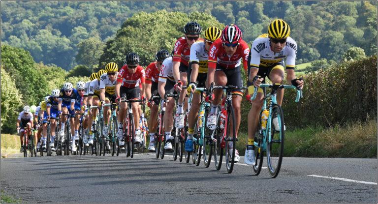 Div 1 -3rd-The Pelaton, Tour of Britain-Brian Wetton