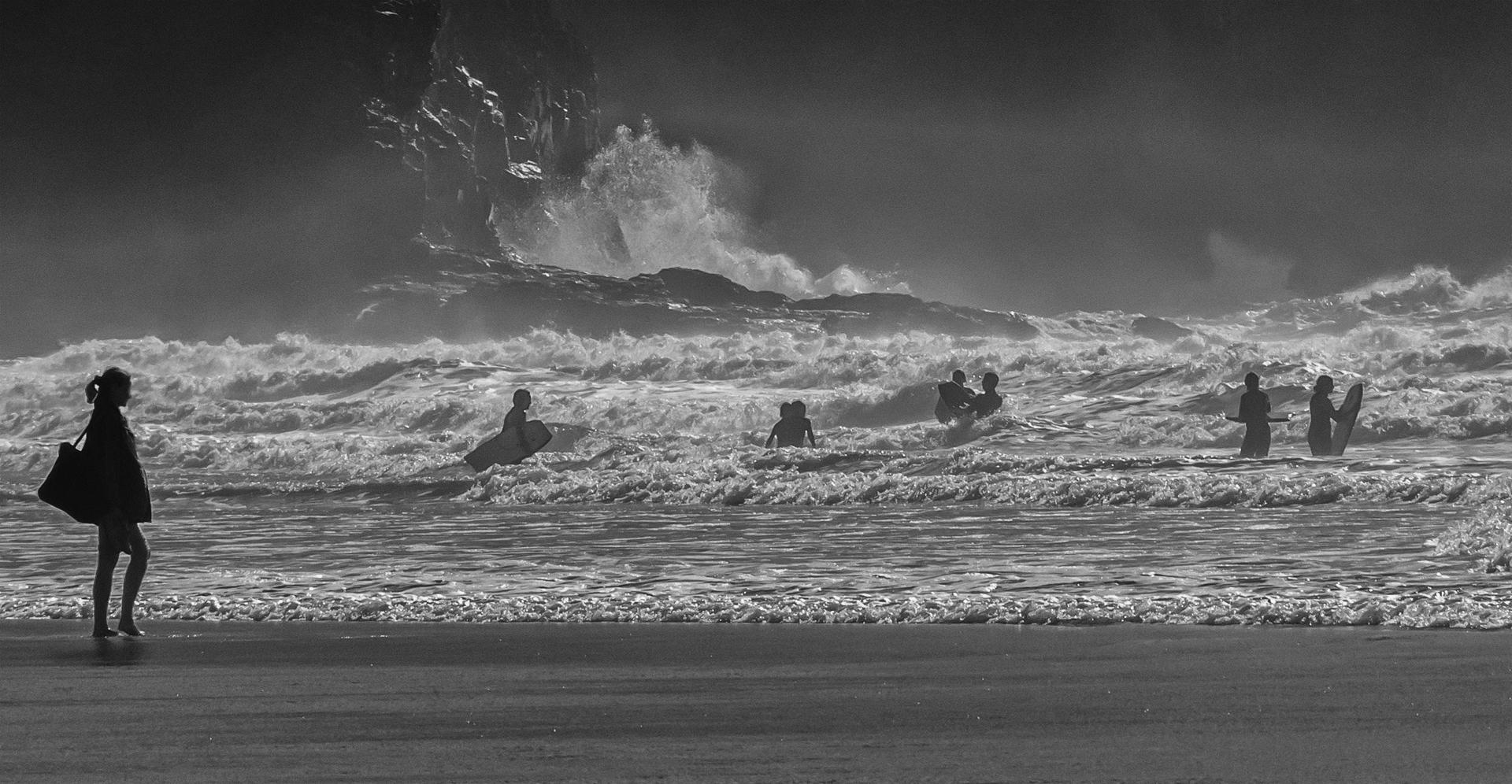 D2- 17 Points - Waves and Surfers-George Ryske