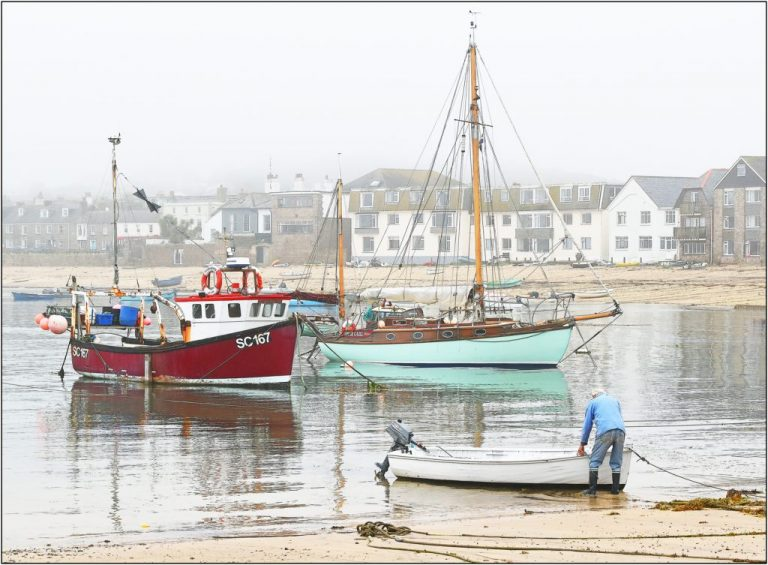 1st - Misty Harbour Hugh Town-Brian Wetton